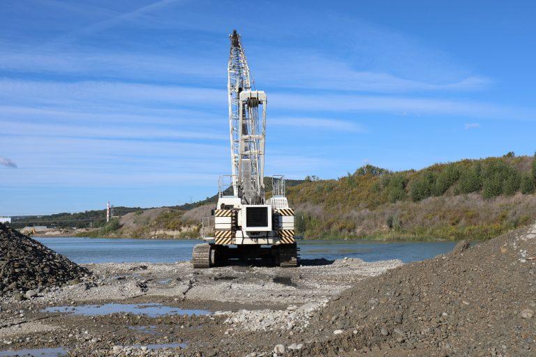 dragline in quarry production aggregate alluvial